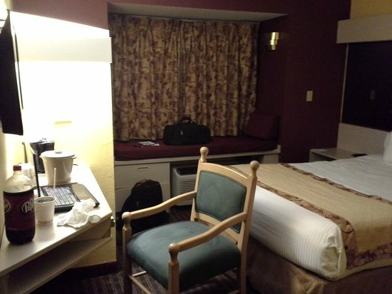 Microtel Inn & Suites by Wyndham Cottondale/tuscaloosa : Clean, comfy, simple