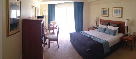 Pullman Cairns International: The room