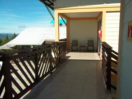 Celyn Resort Kinabalu: Attached balcony area in front of rooms