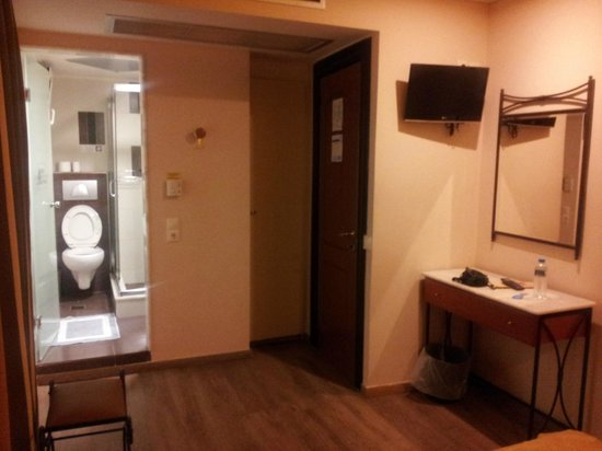 Hotel Argo Anita: Vue depuis le bord du lit