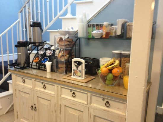 Venice On The Beach Hotel: continental breakfast nook