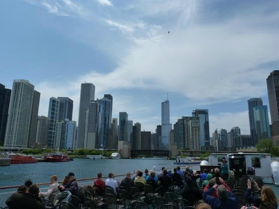 Chicago's First Lady Cruises: The skyline from the river