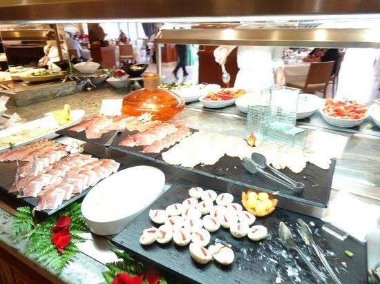 Hotel Barrosa Park: le buffet du soir
