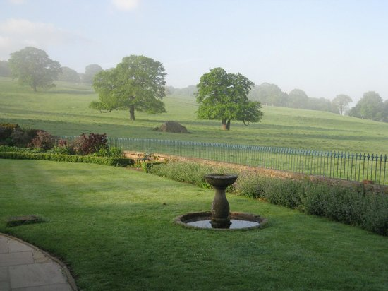 Heathy Lea Bed and Breakfast: A view of Chatsworth Park from Heathy Lea.