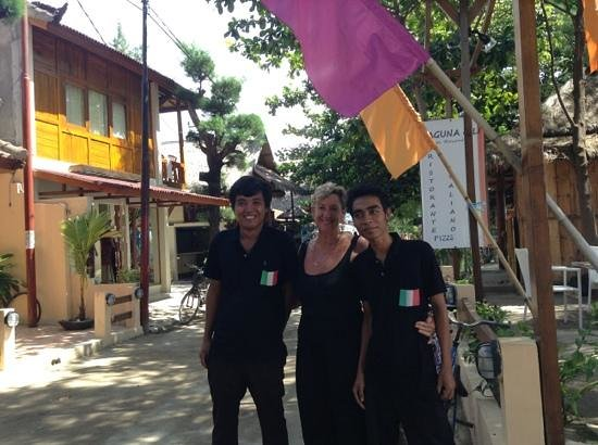 Laguna Gili Beach Resort: Lovely staff at the Laguna Gili