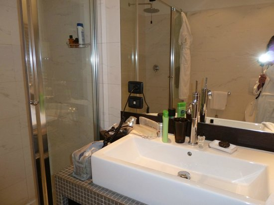 TownHouse 70 : 309 bathroom
