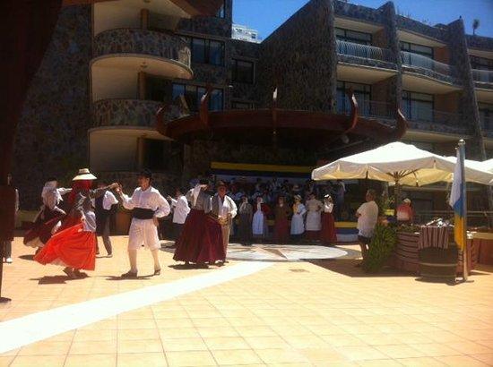 Gloria Palace Amadores Thalasso & Hotel : celebración del día de Canarias