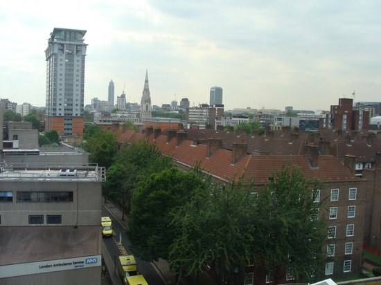 Hampton by Hilton London Waterloo: View from Room