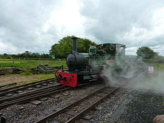 Lynton & Barnstaple Railway: Shunting in the siding