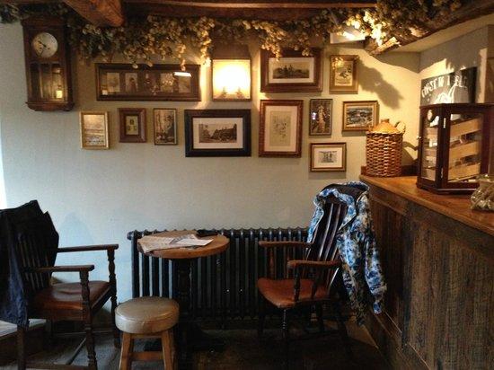 The Porch House: Pub interior