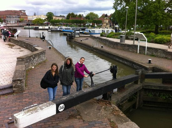 Stratford-upon-Avon Canal: canal - stratford