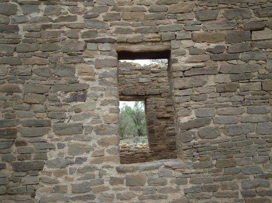 Aztec Ruins National Monument: Aztec Ruins doorways