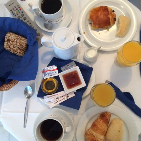 Iliovasilema Suites : The breakfast