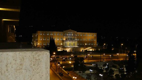 NJV Athens Plaza: The Parliament House view from the room