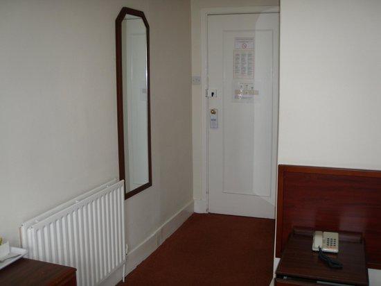 The Royal Norfolk Hotel bedroom