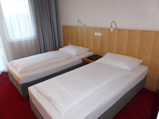 Austria Trend Hotel Messe Wien: comfy bed