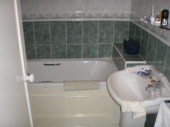 The Royal Norfolk Hotel Seaview Bathroom
