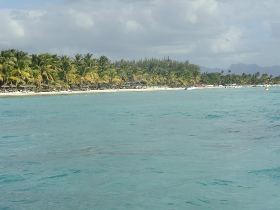 Trou aux Biches Beachcomber Golf Resort & Spa: Hotel and beach from the boat ride