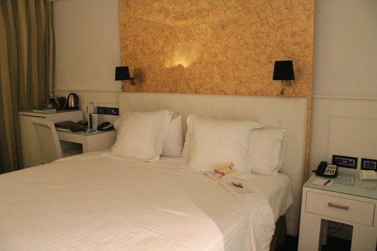 Gran Melia Colon: chambre preparée pour la nuit
