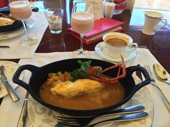 The St. Regis Bali Resort: Lobster omelette, exquisite!