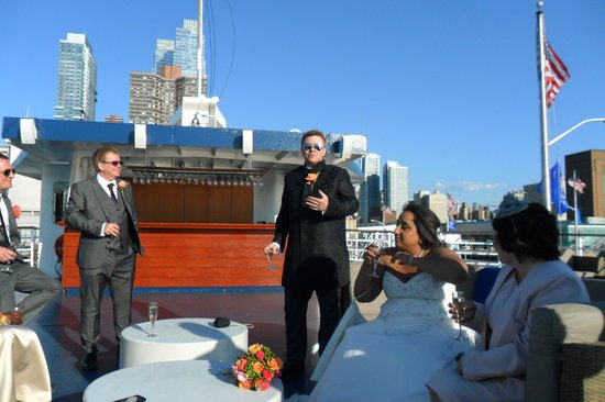World Yacht : Up on Deck having a drink, speeches before boarding