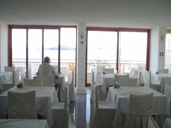 Hotel Alkyon: Indoor breakfast area