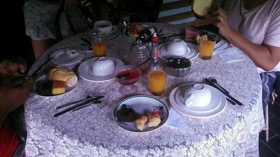 Hotel Daniela: Café da manhã