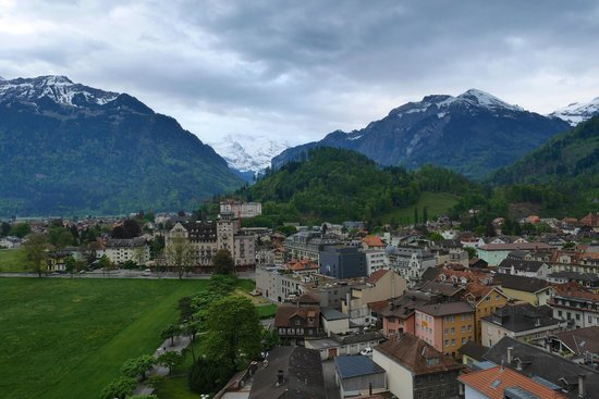 Metropole Hotel Interlaken: Room View