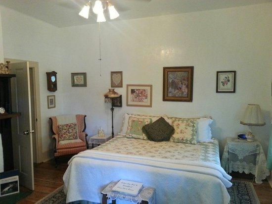 Cedar Key Bed and Breakfast: Ida's room