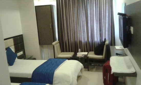 OYO 9239 Hotel Flair Inn: Deluxe room