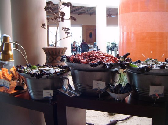 Pueblo Bonito Pacifica Golf & Spa Resort: Sunday breakfast buffet