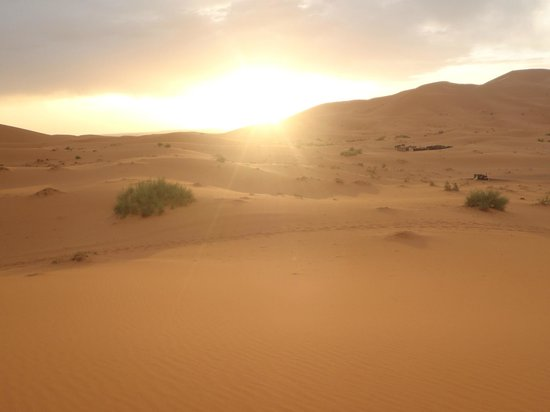 Morocco Vacation Tour: Sunrise in the dessert