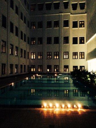 The Lalit Great Eastern Kolkata: Poolside