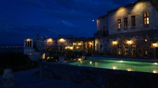 Museum Hotel: Piscina
