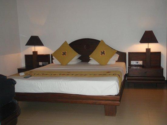 Amaya Lake: chambre côté lit
