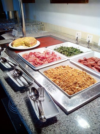 Parador de Oropesa: Buffet desayuno