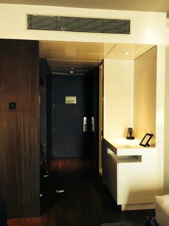 Swissotel Kolkata: room