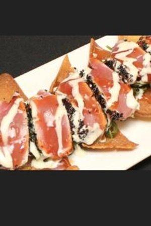 Miller's Seafood & Steak House: Fresh Yellow Fin Tuna Nachos