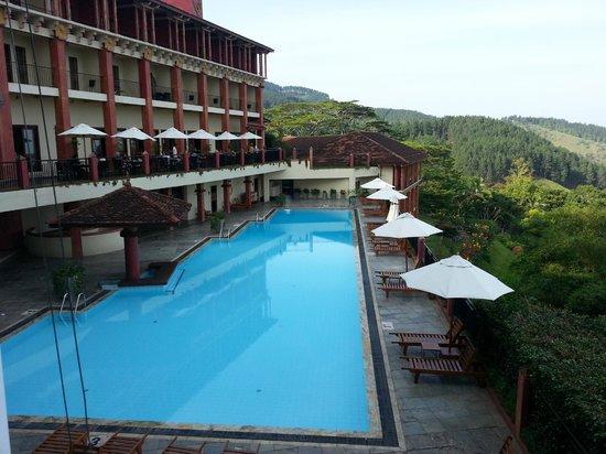 Amaya Hills: piscine