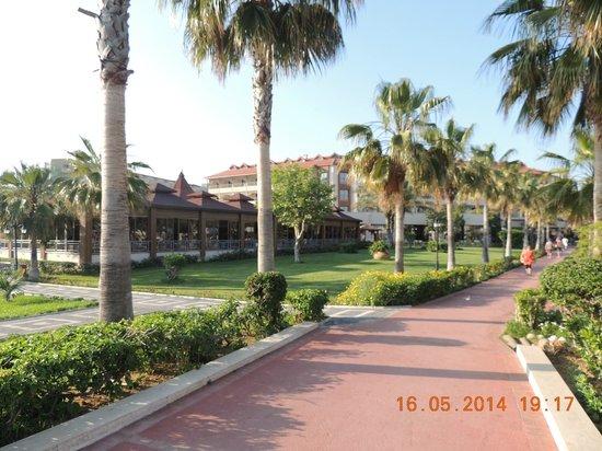 Club Hotel Turan Prince World: ресторан