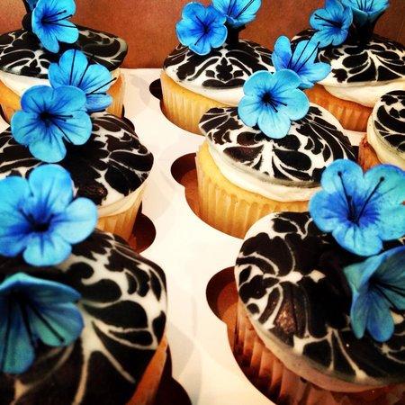 Night Owl Bakery: Crazy cute cupcakes