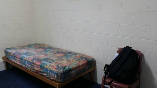 Launceston Backpackers: Single Room 2