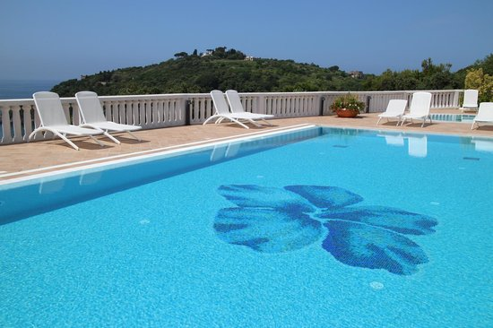 Grand Hotel Le Rocce: Great pool!