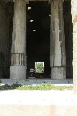 Temple of Hephaestus: Interior
