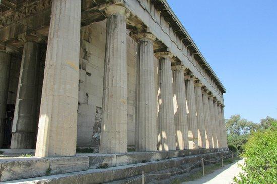 Temple of Hephaestus: Well preserved columns