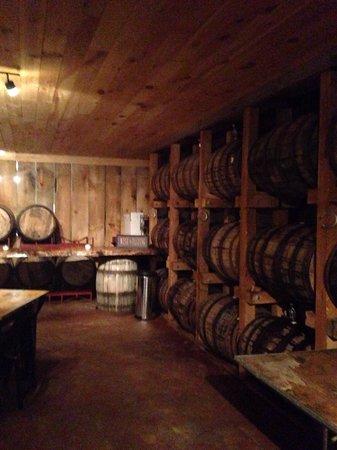 The Saratoga Winery : Authentic wine tasting room