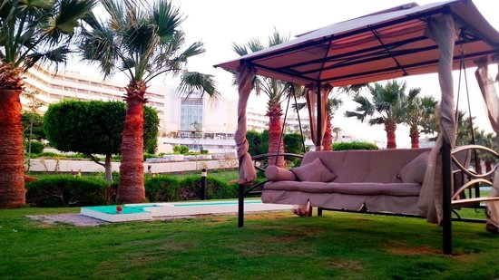 Hilton Hurghada Plaza : Relax between golf rounds