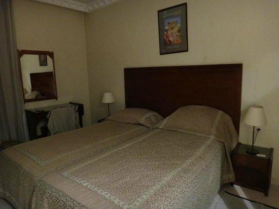 hotel Prince de Paris room