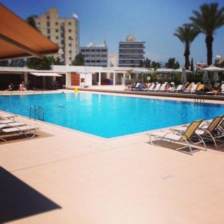 Hilton Cyprus: The Hotel Pool