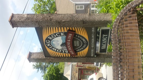Blowing Rock Ale House & Inn : Look for this sign on the street